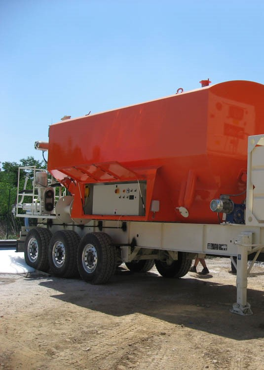 C-02: MOBILE MIXING AND PUMPING SYSTEM WITH LOAD UP TO 280 QUINTALS