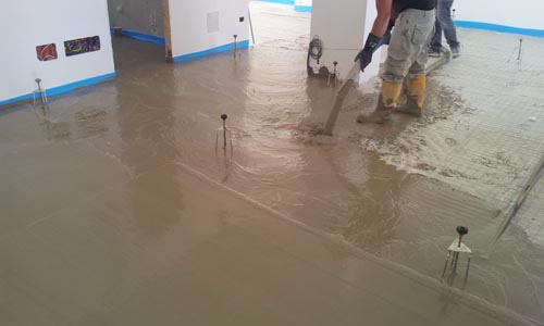 INCREMENT D 1300 - SINGLE LAYER SCREED IN MEDIUM DENSITY CELLULAR CONCRETE